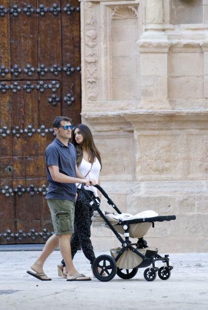 Juntos disfrutaron de una caminata por las calles aprovechando el buen c...