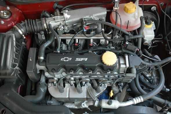 Su motor es un cuatro cilindros de 1.6 litros con 100 caballos de fuerza.