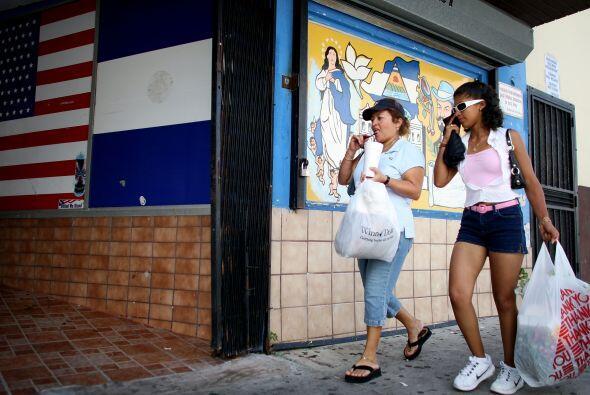 Pero, bajo Obamacare estos 10.2 millones hispanos elegibles y sin seguro...