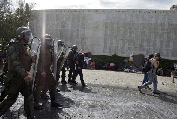 Dirigentes sociales consideraron que la actuación de la policía fue desm...