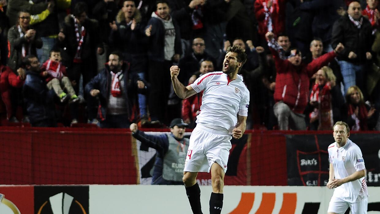 De la mano de Llorente, el Sevilla logró una sufrida victoria ante el Eibar