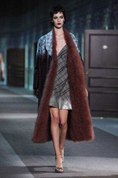 Un abrigo con forro de plumas es otra magnifica idea para consentirte es...