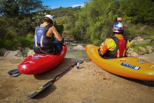 La búsqueda de primeros descensos en los ríos del oeste rural de México...