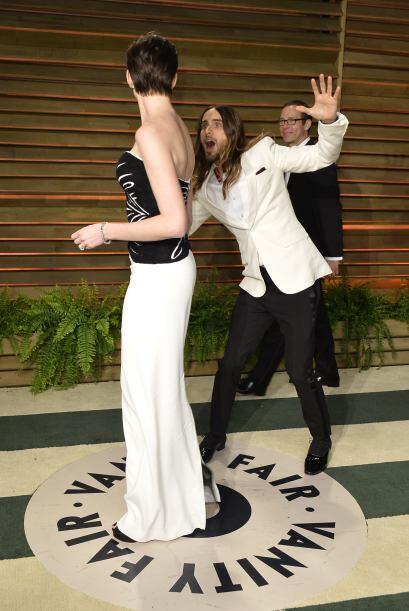 La risa de los fotógrafos y reporteros en la entrada de la fiesta de Van...