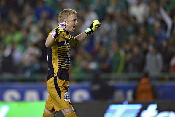 William Yarbrough (7): El arquero de León recibió tres goles en el encue...