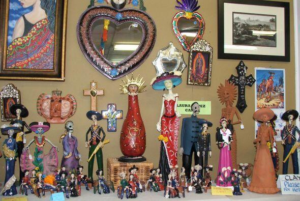 Su dueño, Macario Ramírez es un interesado en preservar la cultura mexic...