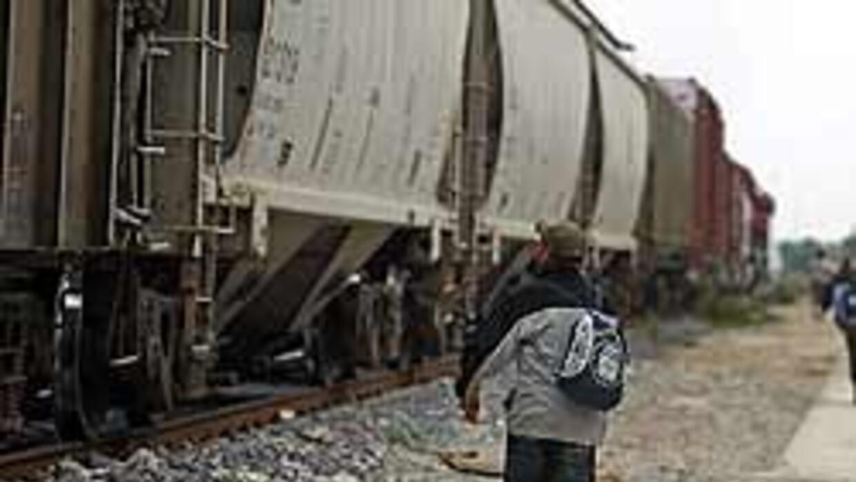 Al menos 13 muertos en choque de trenes en Sinaloa, México a836ec329f7b4...