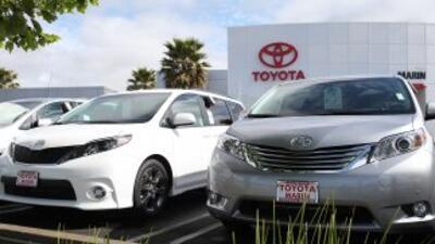 Toyota Motor Corp. reportó que las ganancias entre enero y marzo cayeron...