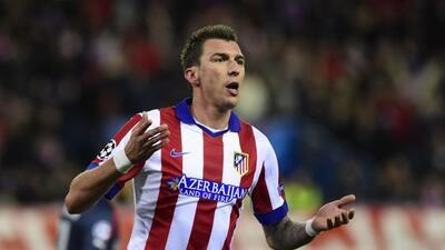 El delantero croata se despachó con tres goles ante el Olympiacos.