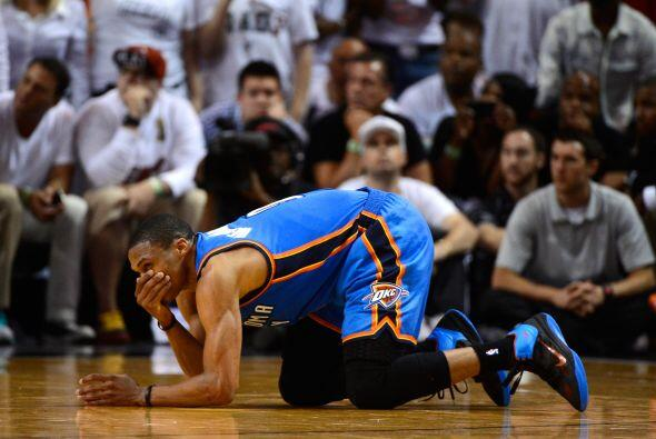 Fue una noche frustrante para Russell Westbrook, a pesar de sus 19 punto...