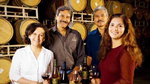 Amelia, Pedro, Armando y Martha Ceja.