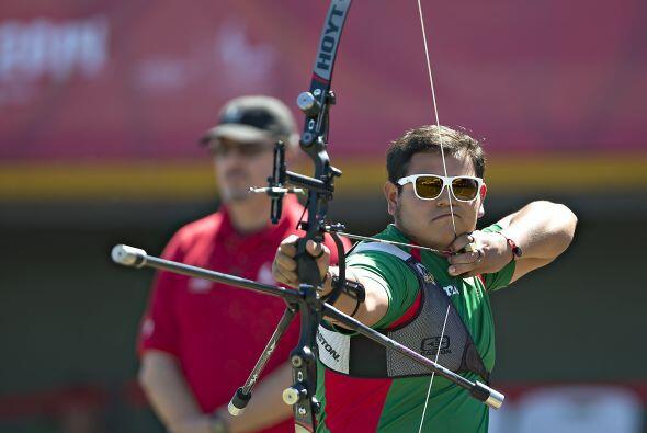 El arquero mexicano Luis Álvarez consiguió el primer lugar del podio al...