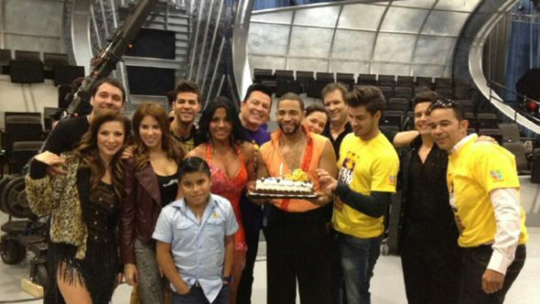 El cantante disfrutó su cumpleaños junto a sus amigos de Mira Quién Bail...