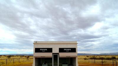¿Qué hace una tienda de Prada en medio del desierto de Texas?