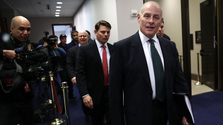 El crecretario del DHS, John Kelly, llega al Congreso a su reunión con e...