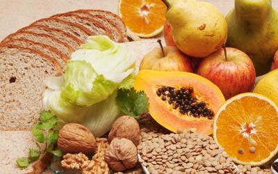 Los alimentos ricos en fibra que limpian tu corazón, páncreas y colon (y...