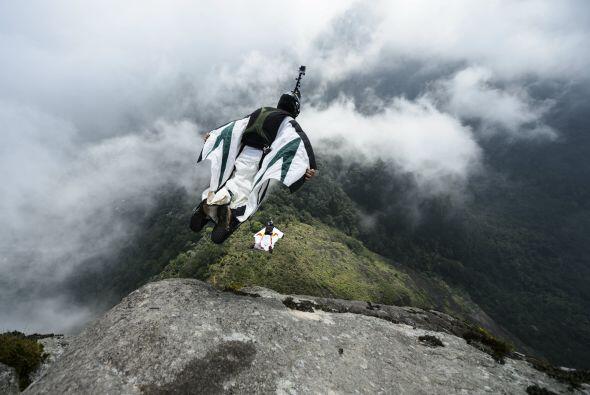 Este atleta también ha tomado el Salto Base como una de sus disciplinas....