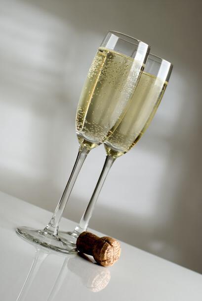 La champaña, del francés champagne, es un tipo de vino espumoso muy popu...