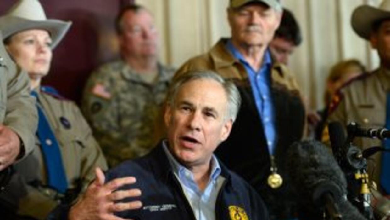 Greg Abbott, principal candidato republicano a la gubernatura de Texas,...