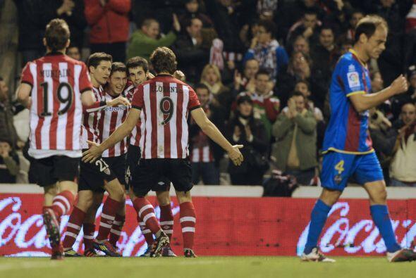 En otros partidos, Atlético de Madrid venció 3-0 al Villarreal en el deb...