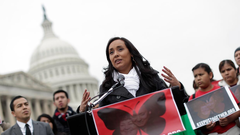 Erika Andiola en una protesta a favor del Dream Act ante el Capitolio en...
