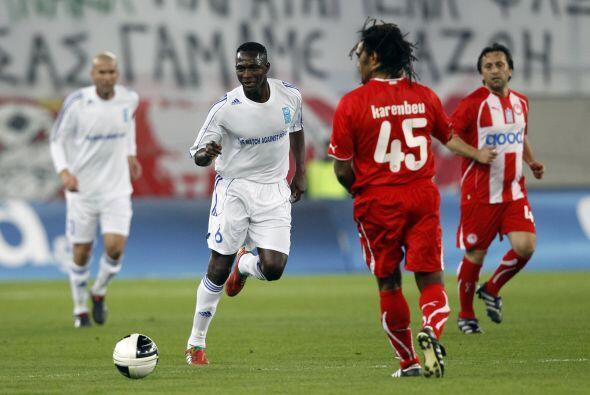 Ex jugadores como el mencionado Zinedine Zidane y Christian Karembeu, ig...
