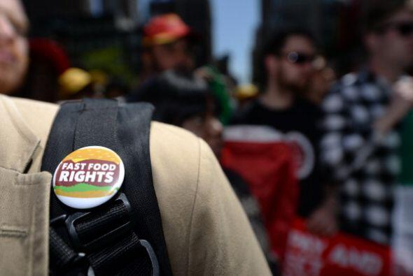 Los trabajadores de Francia estuvieron manifestándose y haciendo huelgas...