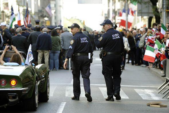 La policía vigiló que el Columbus Day Parade transcurriera en paz y armo...