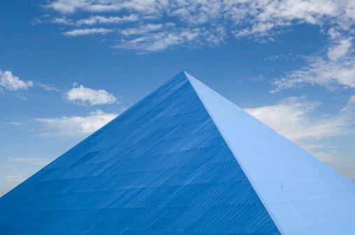 La pirámide así creada, con tus propias manos, te ayudará a enfocar dich...