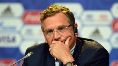 Valcke sabrá  si sigue supendido por FIFA