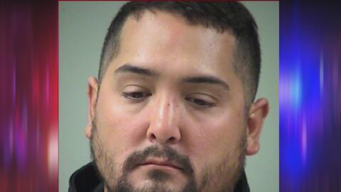 Guardia de la cárcel de Bexar es detenido por presuntamente golpear a un...