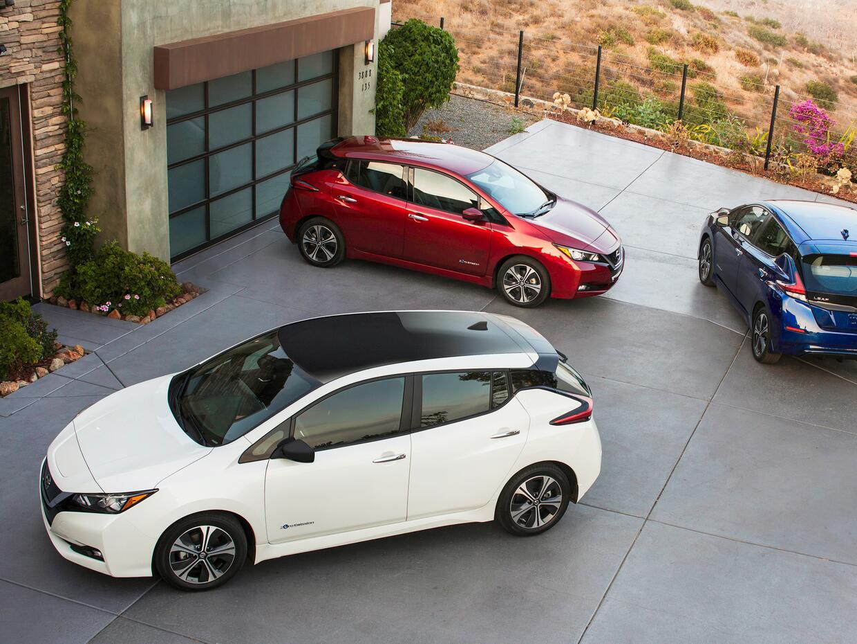 Nissan 2018_Nissan_LEAF_US_02.jpg