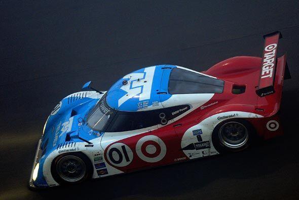El auto número 1 del equipo Chip Ganassi tomó la punta desde el principi...