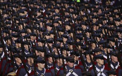 Desfile de militares estadounidenses.