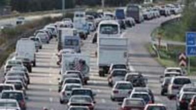 Las carreteras seran abarrotadas por miles de viajeres por feriados por...