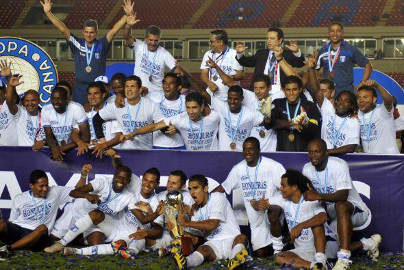 Honduras comenzó el 2011 ganando la Copa Centroamericana disputada en Pa...