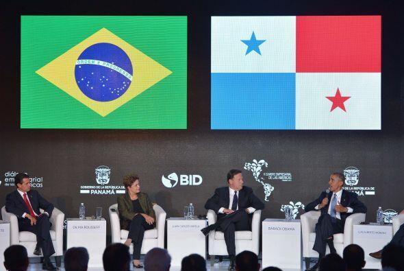 Los presidentes de México, Brasil y Panamá escuchan a su homólogo de EEU...