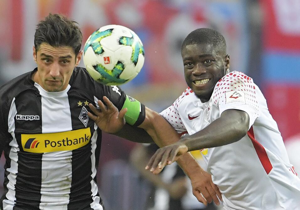 Dortmund mantiene el liderato con victoria ante el Augsburgo ap-17259667...