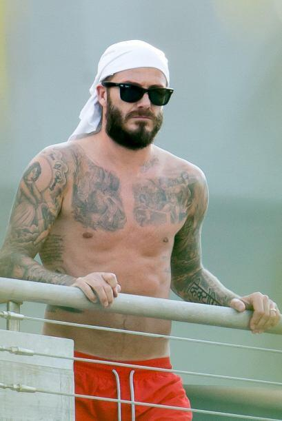Lo único raro que vemos de Beckham es esa barba que se ha dejado.