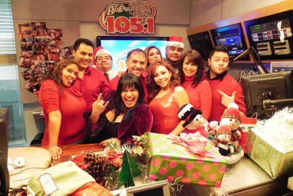 ¡Los DJs de La Que Buena 105.1 FM sí que saben divertirse!