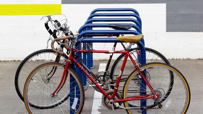 Portland vive para sus bicicletas y ahora está reforzando sus parqueader...
