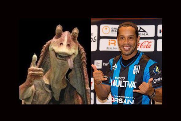 En México también hacen fiestas de Halloween y seguramente Ronaldinho es...