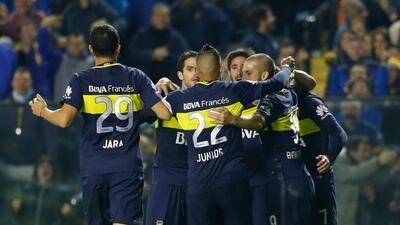 Boca Juniors aprovecha tropiezo de River Plate y se afianza como líder solitario
