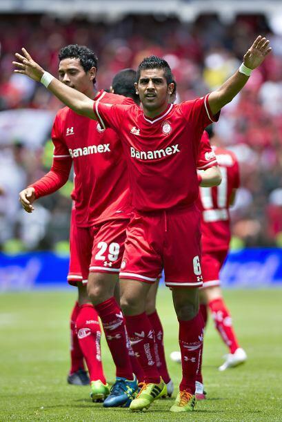 Jugó 177 de los 180 minutos de la serie, anotó su gol al minuto 14 del s...