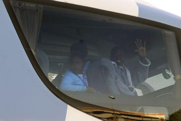 El ministerio de Asuntos Exteriores y los portavoces del aeropuerto de M...