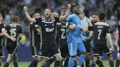 En fotos: así fue el empate que metió al Ajax en la fase de grupos de Champions League