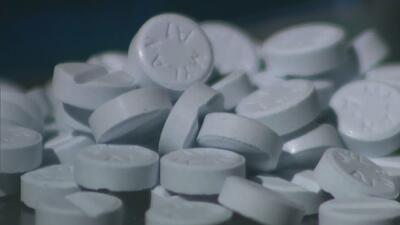 Autoridades advierten de los peligros por el abuso de fentanilo, una droga que puede matar