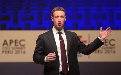El jefe de Facebook, Mark Zuckerberg, en la cumbre de la APEC en Lima, P...