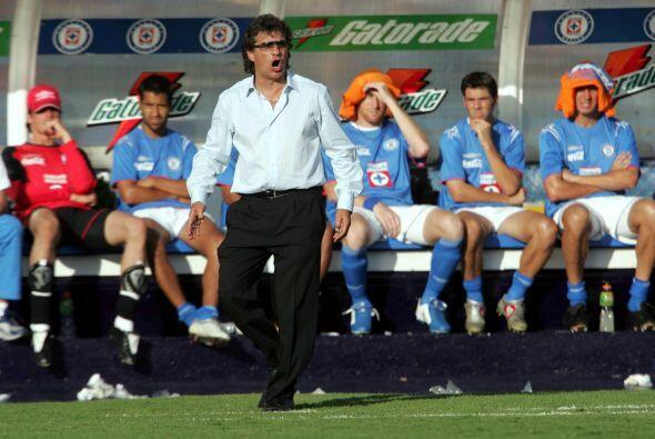Clausura 2005  El técnico era Rubén Omar Romano quien conjuntó un gran e...