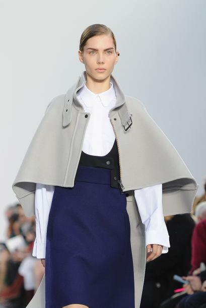 La casa de modas francesa Chloé mostró en la Semana de la Moda de París...
